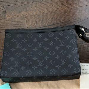Louis Vuitton pochette voyager mm